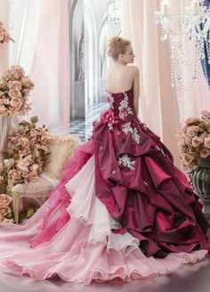 Elaborate ball gown back