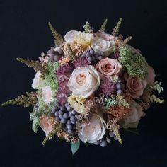 Loving this pink & ivory rose #Bouquet #Gorgeous #HandTied #Flowers #FlowerShop #LondonFlorist #PinkRoses #FloralArrangement