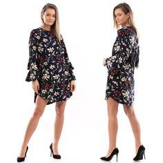Toamna aceasta se poartă imprimeurile, iar această rochie e perfectă pentru un look smart casual sau pentru o zi la birou.👗❤️✨🛒👇 Smart Casual, Floral, Florals, Flower, Flowers