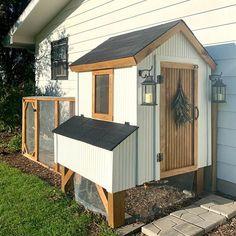 Cute Chicken Coops, Chicken Coop Designs, Backyard Chicken Coop Plans, Chickens Backyard, Chicken Runs, Farm Gardens, Homestead Gardens, Gazebo, Farms Living