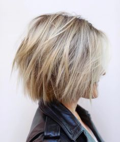 Cliquez ici pour l& complète!Neue kurz geschichtete Frisuren 2018 - Crystal Hurtt New Short Layered Hairstyles 2018 Choppy-Bob-Hair Neue Kurze geschichtete Frisuren 2018 Short Layered Haircuts, Short Hairstyles For Thick Hair, Haircut For Thick Hair, Short Hair With Layers, Short Choppy Bobs, Layered Choppy Bob, Choppy Layers, Short Cuts, Choppy Bob Hairstyles