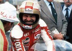 Mike Hailwood 🏆 Celebrating his win‼️ (pic by Don Morley) Bmx, Motocross, Grand Prix, Ducati Motorcycles, Helmet Design, Isle Of Man, Road Racing, Vintage Racing, Motorcycle Helmets