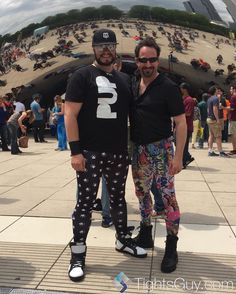 My pup and I out for a walk.  #IAmATightsGuy #tightsguy #milleniumpark #thebean #tightslife #tightslover #tightsfashion #tightsstyle #menintights #meggingslife #meggingsfashion #leggingslife #leggingsfashion #leggingsoftheday #milleniumpark #puppytights