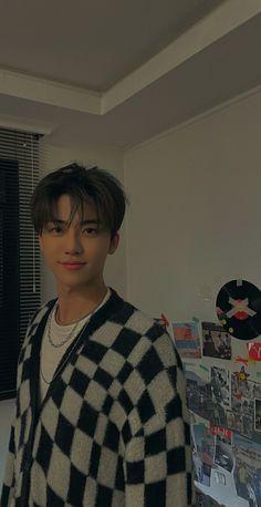 Cute Korean Boys, Cute Boys, Nct Taeil, Nct Winwin, Nct Album, Nct Johnny, Nct Dream Jaemin, Nct Yuta, Pop Photos