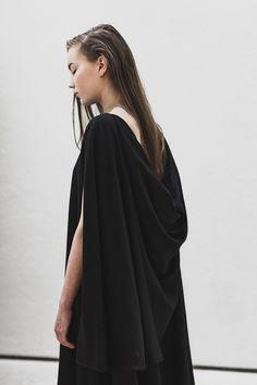 HIDE/HIM Designer: Noora Pajari (www.noorapajari.com) Photographer: Aleksi Tikkala (www.aleksitikkala.com) Muah: Sara Tarnanen (www.saratarnanen.blogspot.fi) Model: Emeliina / Brand Model Management