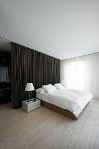 fantasticas-ideas-de-closets-detras-de-la-cama-23 - Decoracion de interiores Fachadas para casas como Organizar la casa