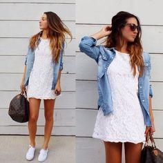 Vestido blanco con tennis