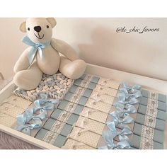Done with love #babybomboniere#bombonieres#newbornbaby#bombonnieres#newbornarrangement#babychocolate#bomboniere#engagement#engagementchocolate#weddingideas#kitchenteapartyideas#newbornchocolates#babyshower#christening#baptism#babydecor#nurserydecor#holycommunion#quote#cute#love#Lindt#specialoccasion#baby#pink#chic#encontrandoideias#follow#tag#followus For any inquires plz DM me or Email me to le_chic_favors@hotmail.com