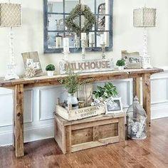Cute entryway table arrangement