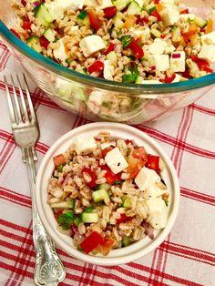 Greek Style Farro Salad Recipe  http://www.captainbobcat.com/greek-style-farro-salad/