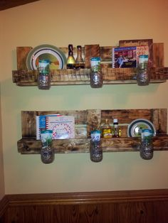 Pallet Shelves | DIY Pallet Shelves | DIY Your Life by Lorie