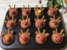 Bread Shaping, Bento, Food Garnishes, Xmas Food, Christmas Cupcakes, Cake Pops, Food Art, Kids Meals, Delish