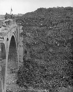 Battle of San Quentin Canal Sept- Oct. 1918 Hindenburg Line France. American,Australian and British troops. 14 Divisions