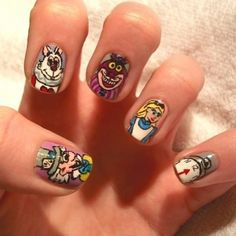 Alice in Wonderland nails from Hello Giggles.