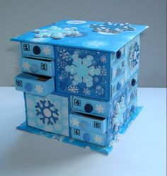 The Messy Crafter: Matchbox Advent Calendar. you could use this as a jewelry box too Cardboard Box Crafts, Paper Crafts, Christmas Activities, Christmas Crafts, Xmas, Matchbox Crafts, Advent Calenders, Altered Boxes, Treasure Boxes