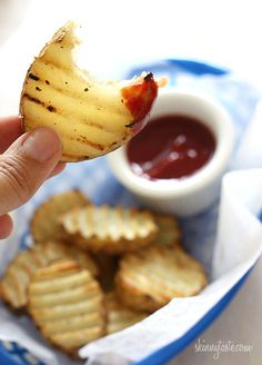 "Grilled Potatoes - Guilt-free crispy grilled ""fries"" made right outside on the grill!looks delicious I Love Food, Good Food, Yummy Food, Tasty, George Foreman Recipes, George Foreman Grill, Grilling Recipes, Cooking Recipes, Grilling Ideas"