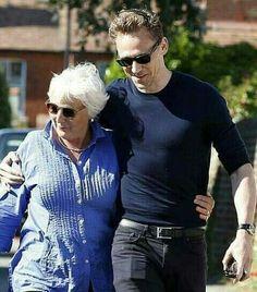 Happy mother's day, Tom Hiddleston !