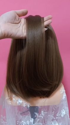 A super easy every day hairstyle idea! Easy Everyday Hairstyles, Bun Hairstyles For Long Hair, Elegant Hairstyles, Diy Hairstyles, Easy Homecoming Hairstyles, Quince Hairstyles, Half Updo Tutorial, Medium Hair Styles, Short Hair Styles