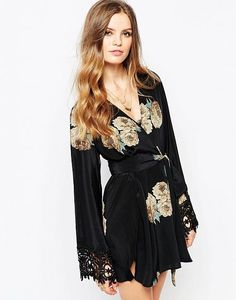 Kimono by Stone Cold Fox Lightweight printed silk Open front Self-tie belt to waist Sheer lace trim to sleeves Regular fit - true to size Dry clean Silk Our model wears One Size Black Silk Robe, Black Kimono, Kimono Top, Stone Cold Fox, The Blonde Salad, Models, Clothing Co, Mannequin, Fashion Online