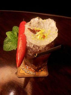 Dante's Blood es la propuesta de don Adal Marquez, actualmente trabajando en la cocteleria mas antigua de España el Boadas. Nos propone un cóctel atrevido, con notas a frutadas y picantes.