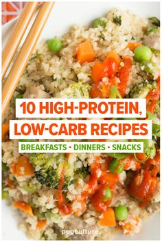 Putting a healthy recipe on the table every night can be exhausting, especially is you're working with a high protein, low carb diet. We've put together 10 delicious recipes - breakfast, dinner and snack options to stick to your weight loss goals. High Protein Dinner, High Protein Low Carb, Low Carb Diet, High Protein Meal Plan, High Protein Salads, Healthy High Protein Meals, High Protien Foods, High Carb Meals, High Protein Vegetarian Recipes