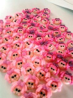 Apliques rostinhos Lalaloopsy feitos em biscuit.