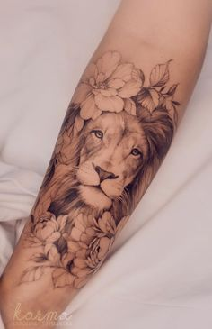Lion Forearm Tattoos, Dope Tattoos, Pretty Tattoos, Body Art Tattoos, Small Tattoos, Amazing Tattoos, Tatoos, Lion Tattoo On Thigh, Lion Woman Tattoo