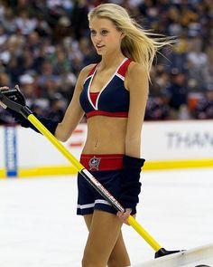 Hooked On Hockey Magazine. Your Daily Dose For All Things Hockey! Women's Hockey, Hockey Girls, Hockey Players, Hottest Nfl Cheerleaders, Professional Cheerleaders, Ice Girls, Columbus Blue Jackets, Sporty Girls, Sports Women