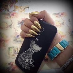 Metalic Nails gold stiletto