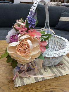 Basket, Table Decorations, Hijab Fashion, Furniture, Home Decor, Baskets, Crates, Bags, Decoration Home
