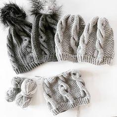 «. I n g r i d. L u e ✔ Pattern in my Ravelry  De mørkegrå luene er fra strikkesida's bok! #ingridlue #knittersofig #knitallday #knittersofinstagram…»