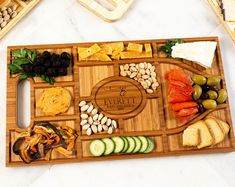 Personalized Charcuterie Planks and Beer Flights - 4 Styles and Gift Sets Available Table Portable, Condiment Caddy, Board Stand, Décor Boho, Vintage Tupperware, Charcuterie Board, Safe Food, Kitchen Dining, Etsy