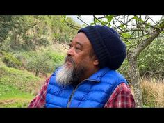~ Guided Meditation with Mooji ~ Moojibaba invites us to use this time when many around the world are in self-quarantine for the highest aim: to discover the. Meditation Youtube, Guided Meditation, Wim Hof, Truth And Justice, Self Realization, Peace And Harmony, Peaceful Life, Music Heals, True Nature
