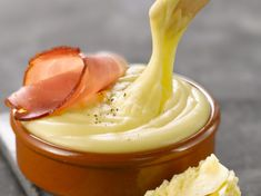Aligot im Cantal - Panna Cotta, Icing, Peanut Butter, Good Food, Food And Drink, Pudding, Cheese, Vegan, Cooking
