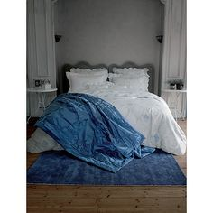 Luxury Bed & Bath Linens, Down, Lingerie, Fragrances and Exquisite Gifts