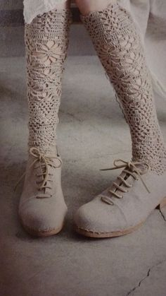 Lacy socks and suede boots. From L'atelier de Marie |Pinned from PinTo for iPad|