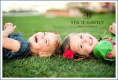 Trendy photography poses family with older kids sister photos Sibling Photography Poses, Sister Photography, Poses Photo, Toddler Photography, Photography Ideas Kids, Photography Backdrops, Cousin Foto, Cousin Photo Shoots, Sibling Photo Shoots