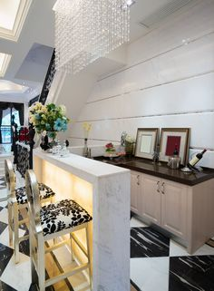 Glam Home Bar In Black And White