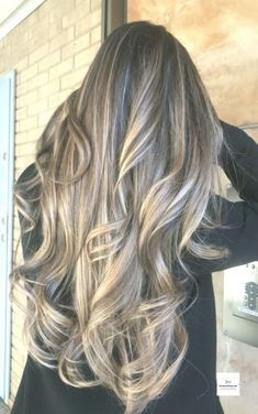 10 Delicate Spring Hair Color For Brunettes Balayage 2019 : Have A Look! in 2019 Brunette Color, Balayage Brunette, Balayage Hair, Sweet Hairstyles, Spring Hairstyles, Wavy Hairstyles, Hight Light, Latest Hair Color, Hot Hair Colors