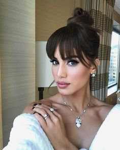 Trends come and go but bangs are forever (well, we think so at least). After seeing an influx of bangs flutter past us on the NYC streets we have come to the conclusion that fall fringe is all the … Hairstyles With Bangs, Pretty Hairstyles, Hair Inspo, Hair Inspiration, Choppy Bangs, Blunt Bangs, Choppy Fringe, Hair Dos, Hair Trends