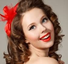 A nice classy vintage look with bright intensive red lips.