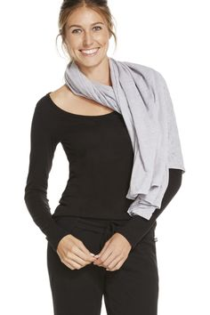 The Lily Scarf en Stone Trailmix - Ropa deportiva chal, bufanda. Fabletics