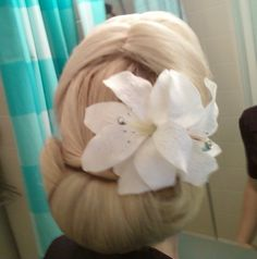 1940's hairstyle for medium long hair. This was inspired by Elsa Schneider from Indiana Jones and The Last Crusade. Very vintage hairstyle.