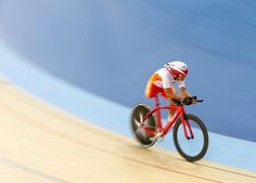 Paralympics 2012 - The Big Picture - Boston.com  Zeng Sini of China competes in the gold medal final of the Women's Individual C1-2-3 Pursuit on the first day of the London 2012 Paralympic games in the Velodrome at the Olympic Park in Stratford, London on Aug. 30. Zeng won gold. (Andrew Winning/Reuters) #