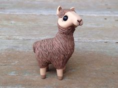 Brown llama: Handmade miniature polymer clay por AnimalitoClay