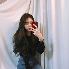 Korean Fashion On The Streets Of Paris Ulzzang Korean Girl, Cute Korean Girl, Asian Girl, Uzzlang Girl, Girl Day, Korean Beauty Girls, Pretty Asian, Korean Fashion Trends, Poses