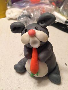 Fondant Rabbit, my very first fondant character