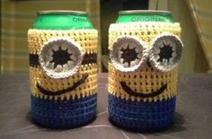 Hæklet Minions dåse cover Minion Crochet, Knit Crochet, Crochet Things, Minions, Kinds Of Shapes, Covered Boxes, Yarn Crafts, Drink Sleeves, Knitting Patterns