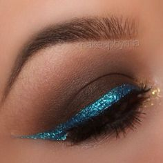 """Brown Smokey Eye With Bold Blue Liner @tarte cosmetics Nude Amazonian Clay Palette (Alluring Almond, Marvelous Mocha, Blissful Brown, Ideal Ivory, Buttercream Frosting) 