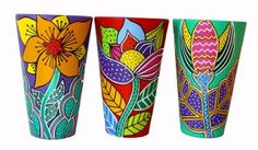 Creative Gifts For Photographers [It doesn't have to be costly] Painted Clay Pots, Painted Flower Pots, Hand Painted Ceramics, Porcelain Ceramics, Flower Vases, Pottery Painting, Ceramic Painting, Painted Pottery, Talavera Pottery